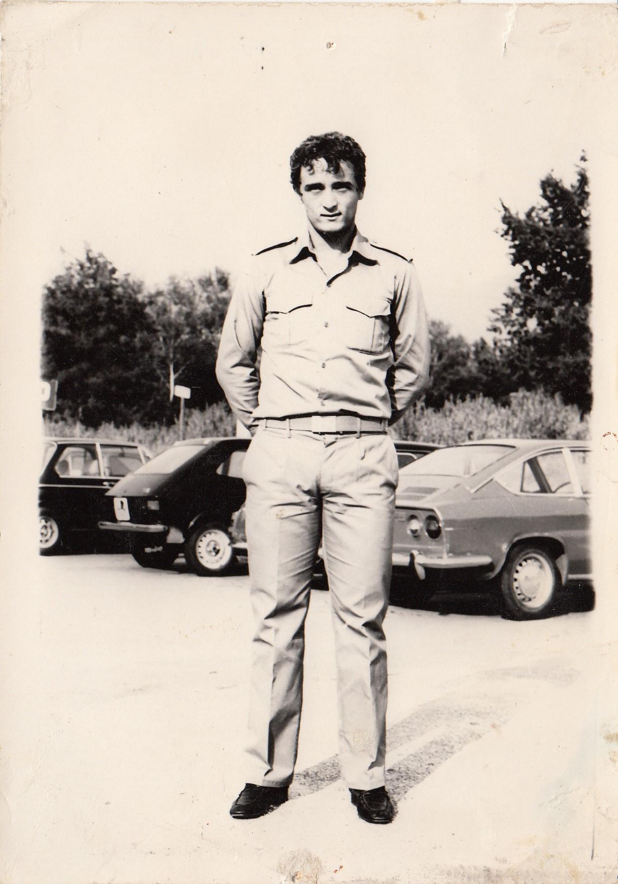 Vincenzo D Amico durante il servizio militare Gent conc Famiglia Vespasiani