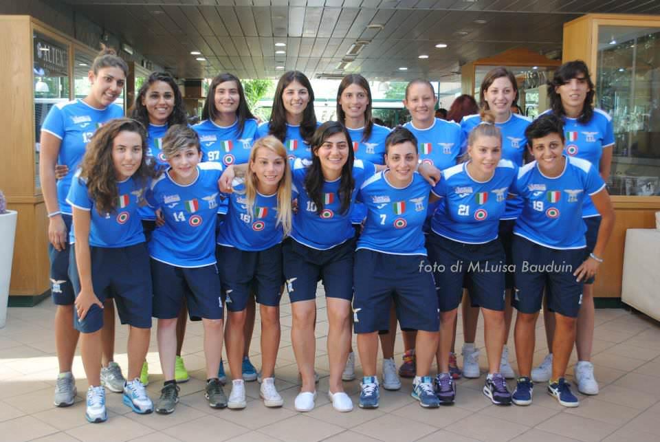 La foto di rito allo Sporting Club Due Ponti prima della presentazione al  Palasport del 10 09 2014. In piedi da sinistra  Marcella Violi 2cf0222b48ca7